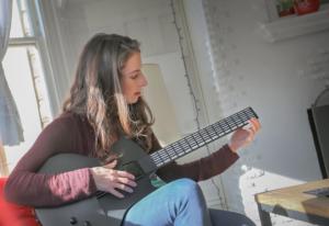 Волшебная гитара - научись играть за минуту