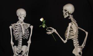Любовь до гроба: миф о единственной настоящей любви